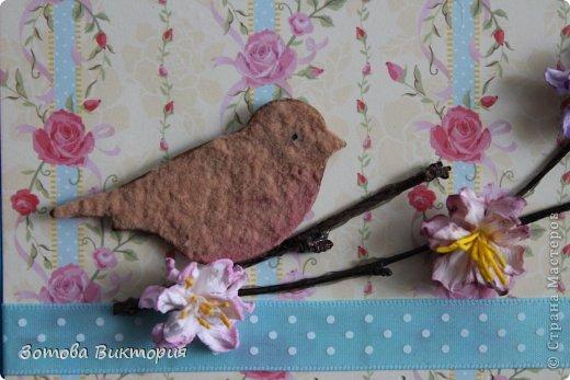 Хотела сделать открытки с птицами, цветами и сердечками.  Меня попрасили сварганить гламурные открытки. Но в гламурности я что-то не бум бум.   Заранее извиняюсь за мутные фотки первых двух открыток, снимала старым фотиком в попыхах.  фото 8