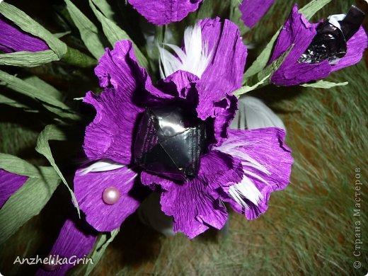 На день рождения брата решила сделать строгие цветы Ирисы в фиолетовой гамме. фото 1