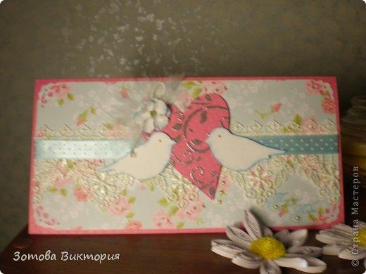 Хотела сделать открытки с птицами, цветами и сердечками.  Меня попрасили сварганить гламурные открытки. Но в гламурности я что-то не бум бум.   Заранее извиняюсь за мутные фотки первых двух открыток, снимала старым фотиком в попыхах.  фото 5