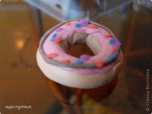 Пластилиновый пончик фото 1