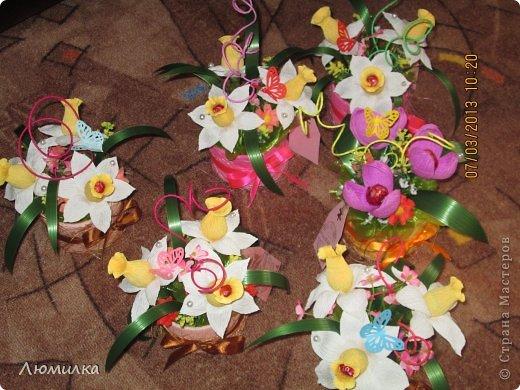 """Всем привет! Я к вам сегодня со своими поделками к 8 марта. Сфотографировала, к сожалению, не всё. Прошу прощения, фото оставляют желать лучшего, всё """"на ходу"""". Может для кого то в моих композициях """"слишком много всего"""", но это то, что я чувствую, это моё настроение. Итак... Знакомьтесь : """"Вишнёвый сад"""". Из - за цвета и вишни в шоколаде. фото 13"""
