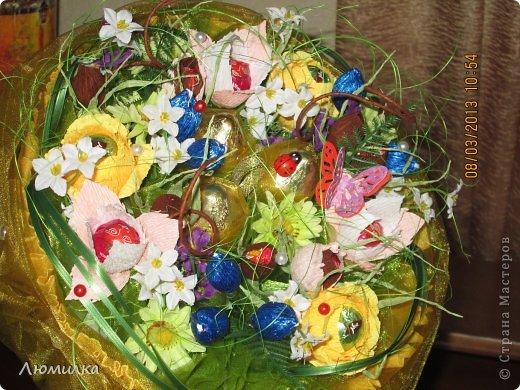 """Всем привет! Я к вам сегодня со своими поделками к 8 марта. Сфотографировала, к сожалению, не всё. Прошу прощения, фото оставляют желать лучшего, всё """"на ходу"""". Может для кого то в моих композициях """"слишком много всего"""", но это то, что я чувствую, это моё настроение. Итак... Знакомьтесь : """"Вишнёвый сад"""". Из - за цвета и вишни в шоколаде. фото 6"""