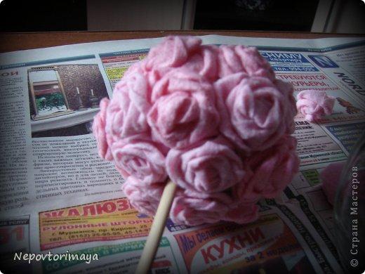 Итак, это моё второе деревце из салфеток для уборки, на этот раз розовеньких. Попыталась воспроизвести процесс создания. фото 11