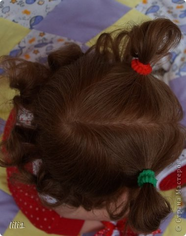 Куколка реборн Красная шапочка. Сделана мной 3месяца назад. Роспись нежнее, чем у малышей, так как девочка более взрослая. И опять веснушки :) Волосы натуральные (куплены в специальном маагазине для реборнинга, проходят обработку) ярко-рыжие :)? прошиты по 1. Глазки стекло, вблизи очень красивые, фото мелковаты, трудно рассмотреть. фото 8