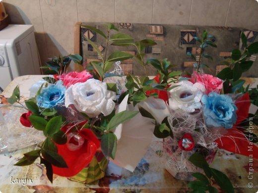 вот такие корзиночки я сделала на подарок хорошим людям на 8 марта. Мои первые пробы в свит-дизайне и очень понравилось этим заниматься фото 1
