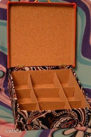 """Вот такая """"шкатулка"""", короб для рукоделия... не знаю как назвать, у меня получился. Всяких материалов для творчества скопилось, а складывать уже некуда)). Вот и решила для мелочей такую штуковину сделать фото 6"""