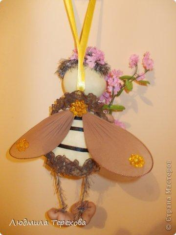 Весенняя пчела сшита по той же технологии, что и Ангелочек - мастер-класс Елены Лаврентьевой.  фото 2