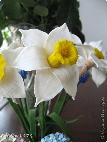 Так уже хочется тепла и цветов, что приходится делать самой, а заодно готовиться к Пасхе! Нарцисы и мускари одни из первых весенних цветов, очень их люблю и конечно, красивые пасхальные яйца станут украшением стола. фото 3