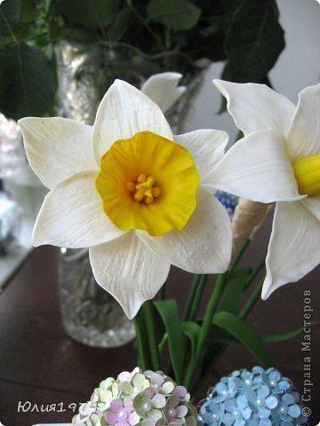 Так уже хочется тепла и цветов, что приходится делать самой, а заодно готовиться к Пасхе! Нарцисы и мускари одни из первых весенних цветов, очень их люблю и конечно, красивые пасхальные яйца станут украшением стола. фото 4