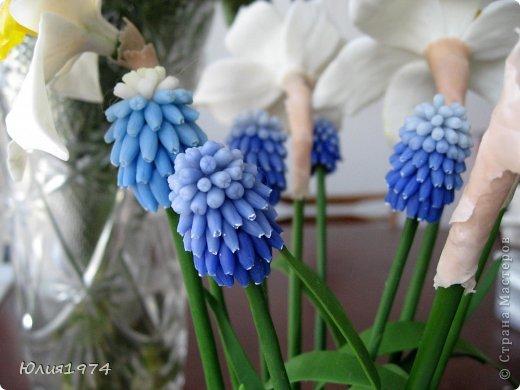 Так уже хочется тепла и цветов, что приходится делать самой, а заодно готовиться к Пасхе! Нарцисы и мускари одни из первых весенних цветов, очень их люблю и конечно, красивые пасхальные яйца станут украшением стола. фото 6