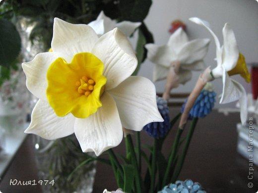 Так уже хочется тепла и цветов, что приходится делать самой, а заодно готовиться к Пасхе! Нарцисы и мускари одни из первых весенних цветов, очень их люблю и конечно, красивые пасхальные яйца станут украшением стола. фото 8