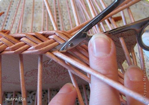 Мастер-класс Плетение Коса на дне коробочки Мастер-класс Бумага газетная Трубочки бумажные фото 14