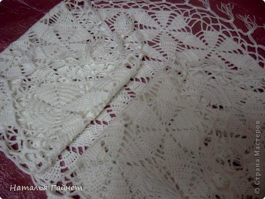 Белые цветы на косынке показались похожи на цветы жасмина, который недавно принес муж.Отсюда и название. Нитки акрил пехорка Бисерная 450 м/100г.Расход примерно 130г. Связалась косынка на одном дыхании.Хотя она первая довязанная до конца из мотивов вещь. фото 8