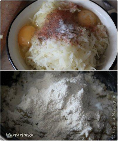 5 средних варёных картофелин  2 яйца  100 г панировочных сухарей  100 г твёрдого сыра  2-3 ст. л муки  растительное масло (для жарки)  чёрный молотый перец, соль - по вкусу  фото 3