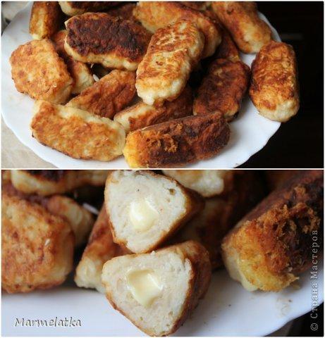 5 средних варёных картофелин  2 яйца  100 г панировочных сухарей  100 г твёрдого сыра  2-3 ст. л муки  растительное масло (для жарки)  чёрный молотый перец, соль - по вкусу  фото 6