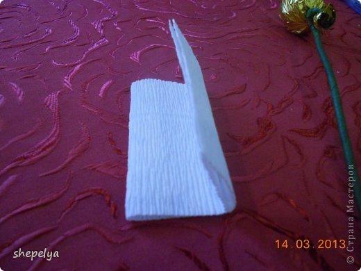 МК Корзина ромашек и васильков из конфет фото 9