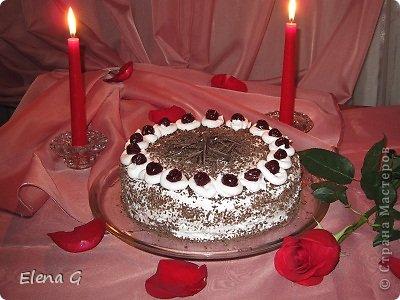 Люблю делать что-то красивое, то что приносит окружающим радость и удивление. Торты - это еще одно мое увлечение. Самый любимый мой торт - Шварцвальдский. Рецепт вот здесь  http://relax.ua/menu/schwarzwald-cake/