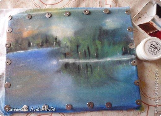 Мне очень нравится вышивать по нарисованному акварелью фону. Раньше я вышивала гладью нитками мулине, а сейчас меня привлекает вышивка ленточками. Вот решила вышить ветки черемухи на фоне акварельного пейзажа. фото 8