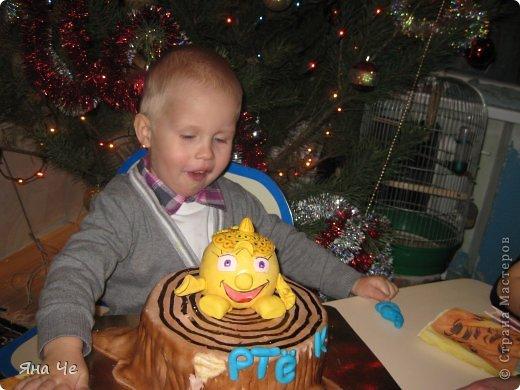 """Это тортик для моего сыночка, благодаря которому я и """"заболела"""" тортоманией))) Заказал он мне Колобка и вот - пожалуйста.  фото 2"""