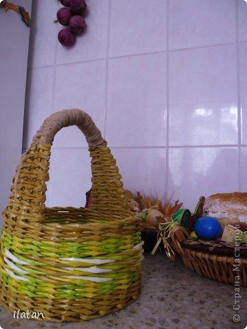 Добрый день, утро, вечер мои хорошие!  Добрый день замечательные жители СМ!  Прежде всего сегодня хочу поздравить всех христиан западного обряда с прекрасным днем, со светлой Пасхой!  Пусть этот день, когда сердца верующих испытывают радость Воскресения Сына Божьего, наполняясь светом евангельских истин и духом добра и милосердия, пожелать Вам и Вашим близким здоровья, счастья и благополучия  В преддверии этого Праздника родилась у меня маленькая плетеночка, для замечательной маленькой девочки, моей племянницы фото 7