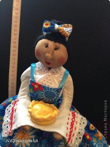 Решила сделать новую куклу на чайник и рассказать Вам - как это все происходит... Девчата - сказу хочу сказать - не обладаю особыми навыками шитья. Поэтому до всего доходила методом проб и ошибок. Ну и нашла для себя самый удобный вариант. Делюсь с Вами фото 38