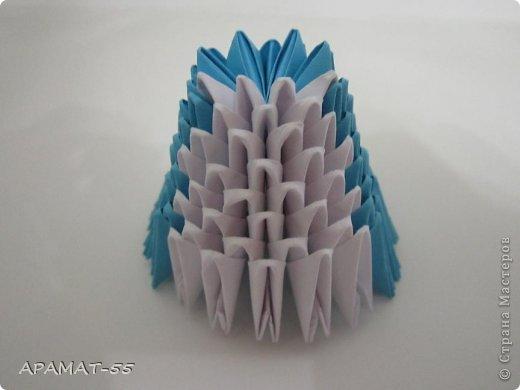 По просьбам жителей СМ решила попробовать сделать Мастер класс дельфина. Для сборки дельфина нам потребуются белые и синие модули, клей.  Приготовьте 1087 модулей  (236 белых модулей, 851 синий модуль)    фото 5