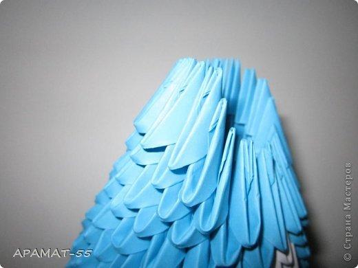 По просьбам жителей СМ решила попробовать сделать Мастер класс дельфина. Для сборки дельфина нам потребуются белые и синие модули, клей.  Приготовьте 1087 модулей  (236 белых модулей, 851 синий модуль)    фото 13