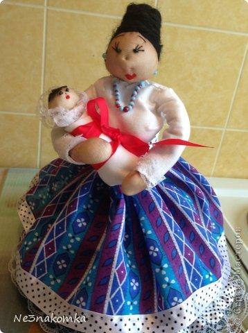 Решила сделать новую куклу на чайник и рассказать Вам - как это все происходит... Девчата - сказу хочу сказать - не обладаю особыми навыками шитья. Поэтому до всего доходила методом проб и ошибок. Ну и нашла для себя самый удобный вариант. Делюсь с Вами фото 48