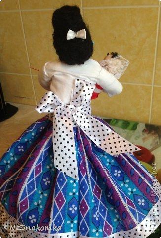 Решила сделать новую куклу на чайник и рассказать Вам - как это все происходит... Девчата - сказу хочу сказать - не обладаю особыми навыками шитья. Поэтому до всего доходила методом проб и ошибок. Ну и нашла для себя самый удобный вариант. Делюсь с Вами фото 49