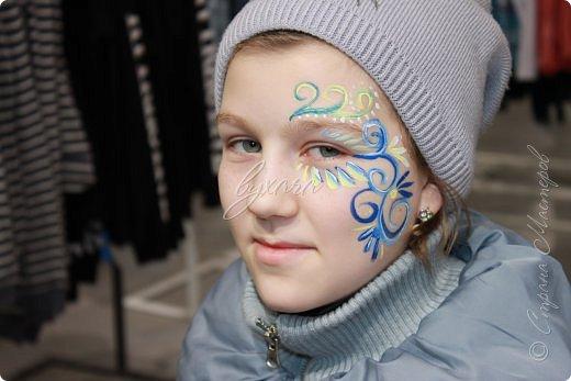 Рисовала специальными красками (аквагримом) на водной основе на личиках ребят (на одном городском мероприятии). фото 12