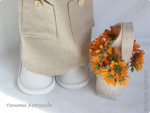 Скромной девочки Поли очень надоела затянувшееся весна.. так она мечтает побродить по цветущим лугам:))) Ощутить завораживающий аромат первых весенних цветов. А как хочется снять уже тяжелую зимнею одежду и окупится в струящийся льняной сарафан. Узнаете ощущения в вашей душе..... вот она какое нежное ............. фото 2