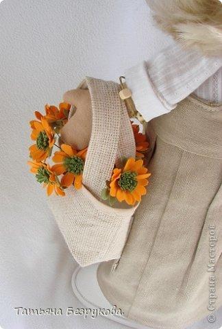 Скромной девочки Поли очень надоела затянувшееся весна.. так она мечтает побродить по цветущим лугам:))) Ощутить завораживающий аромат первых весенних цветов. А как хочется снять уже тяжелую зимнею одежду и окупится в струящийся льняной сарафан. Узнаете ощущения в вашей душе..... вот она какое нежное ............. фото 5