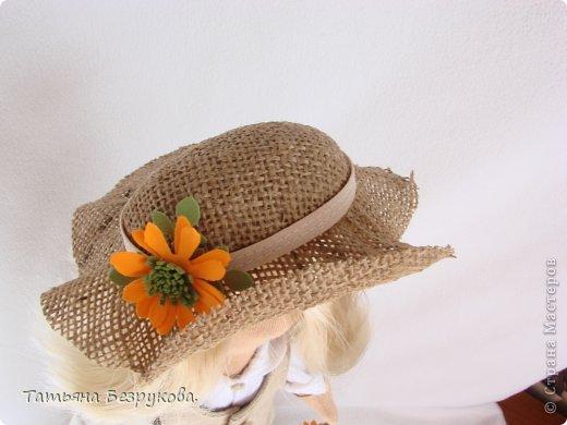 Скромной девочки Поли очень надоела затянувшееся весна.. так она мечтает побродить по цветущим лугам:))) Ощутить завораживающий аромат первых весенних цветов. А как хочется снять уже тяжелую зимнею одежду и окупится в струящийся льняной сарафан. Узнаете ощущения в вашей душе..... вот она какое нежное ............. фото 8
