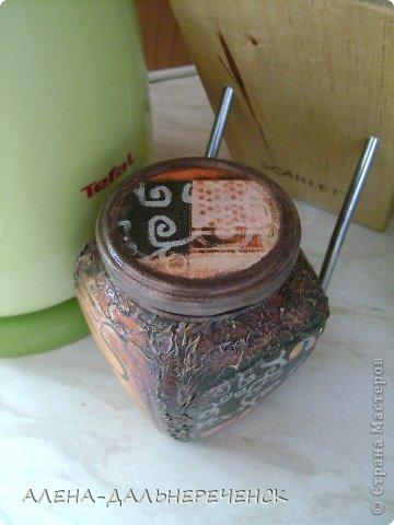 В работе использовала салфетку, акриловые краски и лак. фото 3