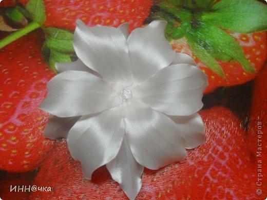 Как-то уже давно да и в предпоследнем моём блоге рукодельницы просили сделать МК лилии и вот я решилась. Это мой дебют, возможно и чуток корявый....но не судите строго. Надеюсь, кому-то пригодится. фото 22
