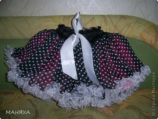 шилась юбочка на пятилетие одной прекрасной мадамы,но мне так нетерпелось, что я сама влезла в это чудо.))))))))) фото 4