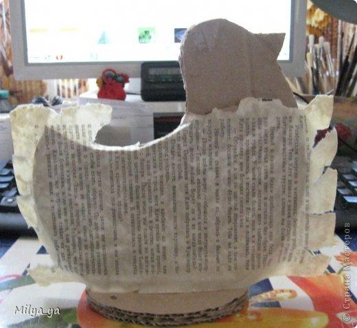 По просьбам рукодельниц, выкладываю МК по пасхальной курице. Что нам понадобиться: - выкройки (смотри ниже) - гофрированный картон - клей - бумага - бумага туалетная - горох и мелкие фигурные макароны - краска фото 8