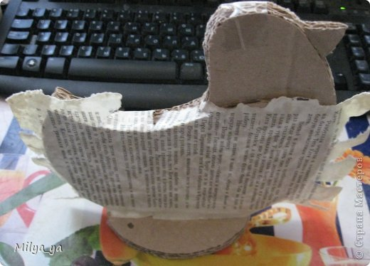 По просьбам рукодельниц, выкладываю МК по пасхальной курице. Что нам понадобиться: - выкройки (смотри ниже) - гофрированный картон - клей - бумага - бумага туалетная - горох и мелкие фигурные макароны - краска фото 9
