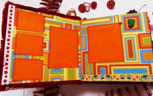 Красный альбом из искусственного меха в подарок малышке, день Рождения которой летом. Размер 15 на 15 см, 5 листов фото 3