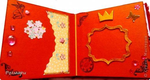 Красный альбом из искусственного меха в подарок малышке, день Рождения которой летом. Размер 15 на 15 см, 5 листов фото 6