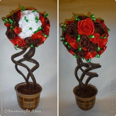 Попробовала накрутить розы из атласных лент... Все розы получились разной формы и размеров, от этого и крона у топиария вышла не совсем ровной.