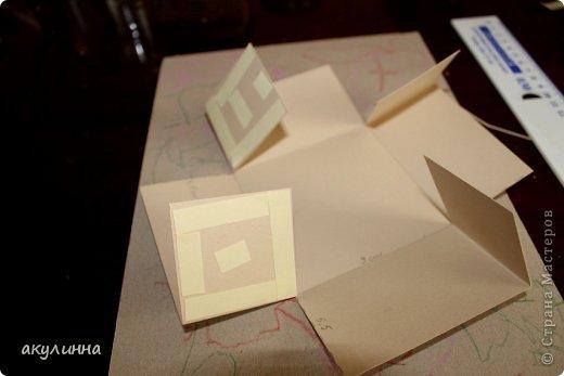 Подарочная коробочка, захотелось сделать  минимум деталей.  Основа  очень плотный картон, обклееный бумагой для эскизов, цветки с магазина. фото 14