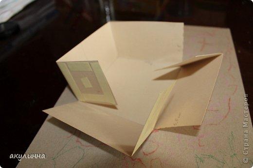 Подарочная коробочка, захотелось сделать  минимум деталей.  Основа  очень плотный картон, обклееный бумагой для эскизов, цветки с магазина. фото 16