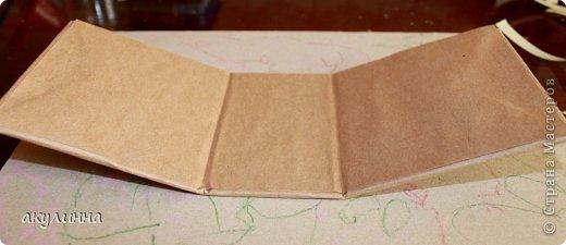 Подарочная коробочка, захотелось сделать  минимум деталей.  Основа  очень плотный картон, обклееный бумагой для эскизов, цветки с магазина. фото 12