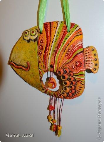 Добрый день Жители МС! Вот какая Рыбка-Беременушка у меня получилась. Идея взята где-то в стране, а расцветочка моя)))) Очень яркая получилась))) Мне так нравиться лепить, но почему-то только пока Рыбок.  фото 1
