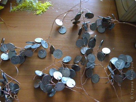Дерево из 10 копеечных монет