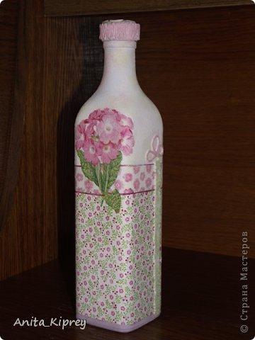 Декор предметов Декупаж Бутылка с розовым цветком Бутылки стеклянные Салфетки фото 1