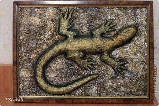 Картина панно рисунок Мастер-класс Папье-маше Ящерка Гуашь Клей Салфетки фото 1