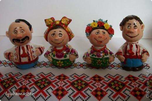 """Приветствую жителей замечательной Страны Мастеров!!!! Эти сувенирные фигурки сделаны  в качестве подарков друзьям. Высота колеблется в пределах 6 см. Краски- акрил, гуашь, акварель. Лак акриловый аэрозольный """"BOSNY"""""""
