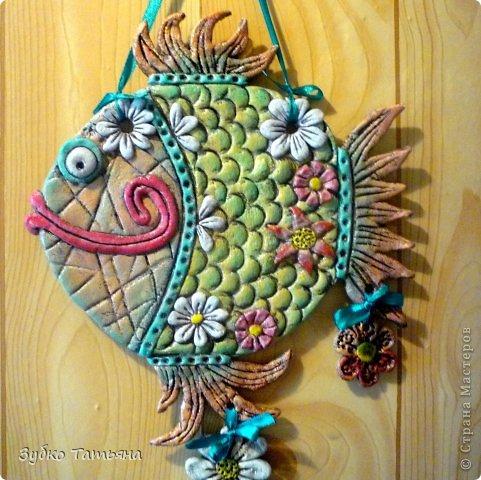 Поделка изделие Лепка Рыбка в цветах Тесто соленое фото 1